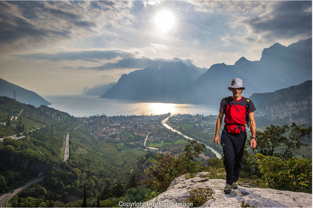 Lake Garda is the paradise for hiking lovers and, more generally, for those people who would like to spend their holidays strolling out in the open air.