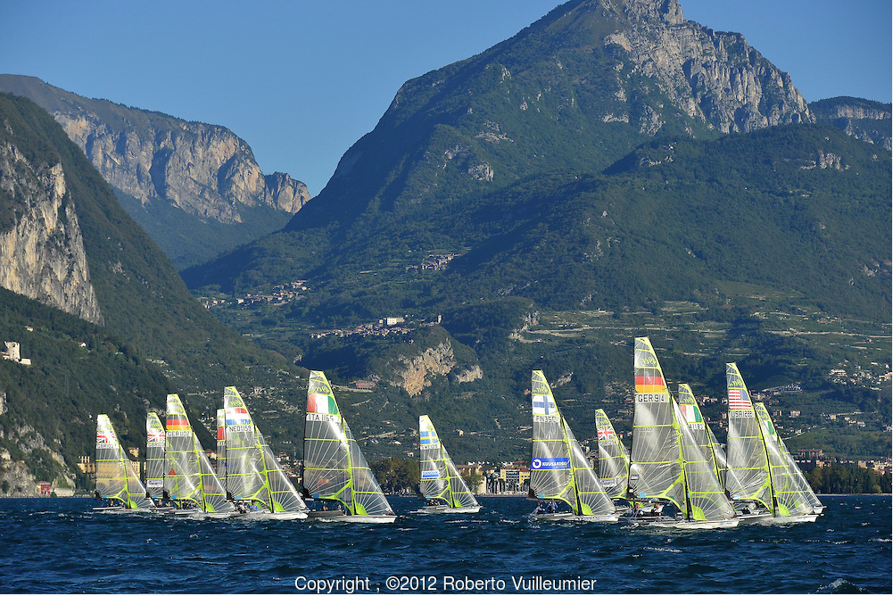 Offers sailing lake garda
